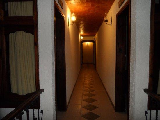 Hotel Antigua: pasillo del segundo piso