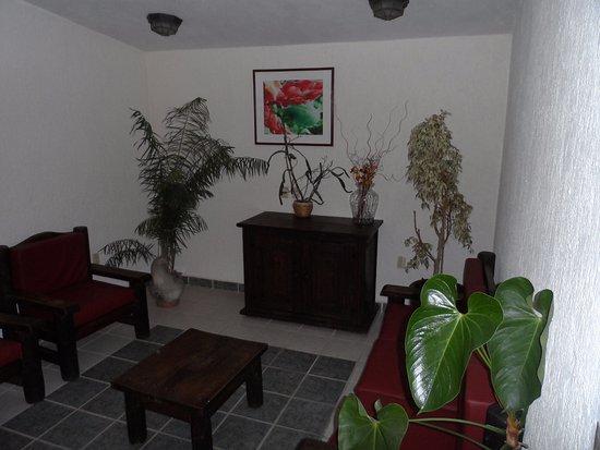 Hotel Antigua: Salita de espera en el segundo piso