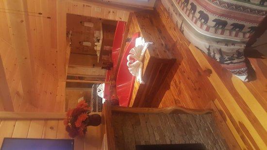Honeymoon Hills Gatlinburg Cabin Rentals: 20170911_181615_large.jpg