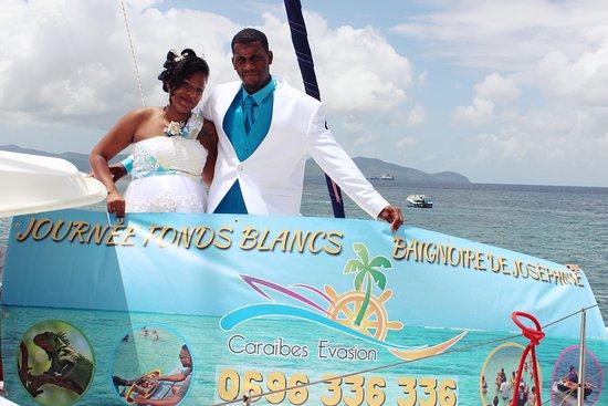 Le Francois, Martinique: L'image insolite du Tour de Martinique des yoles rondes avec Caraïbes Évasion...