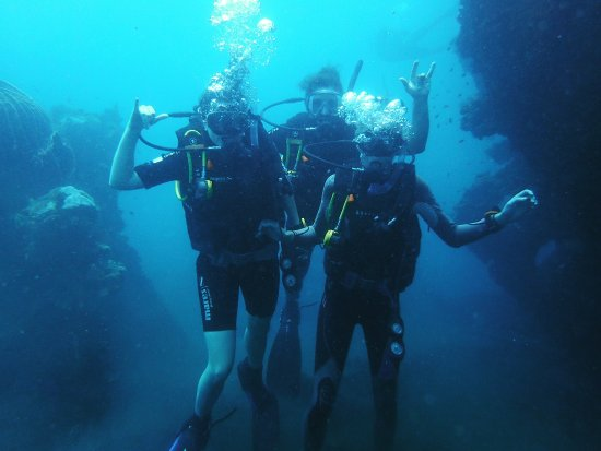 Letsdivetulamben.com Padi open water course  Padi dive instructor. Let join our safety teaching