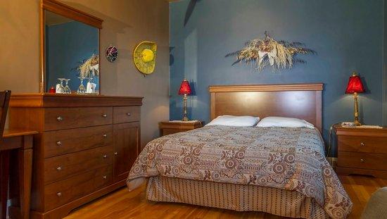 Jonquiere, Canada: Chambre Mexique avec lit Queen