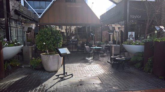 Ortolana: La façade extérieure