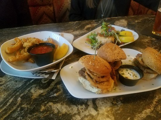 Polson, MT: Appetizers!!! Calamire was a little chewy, the sliders were good and the crab cakes were amazing
