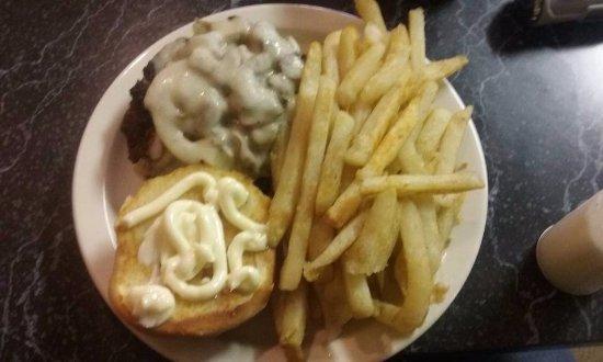 Onekama, MI: Mushroom Swiss Burger