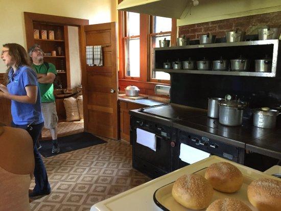 Tahoe City, CA: kitchen