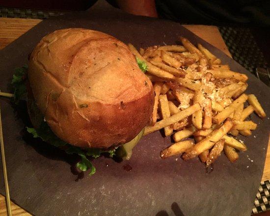 Schnitzels: Drama Burger Special