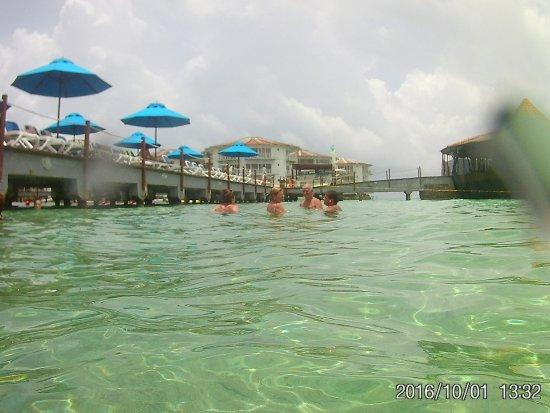 Decameron Aquarium : piscina natural