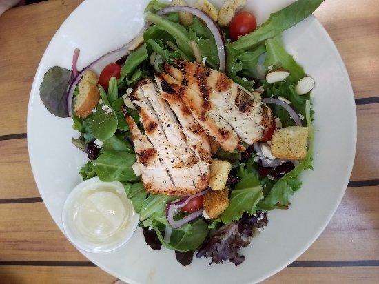 Cascade, CO: Garden Salad w/ Grilled Chicken