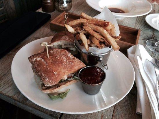 Wayne, Pensilvania: Chicken Sandwich