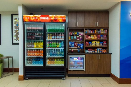 Holiday Inn Express Hotel & Suites Kinston: Vending