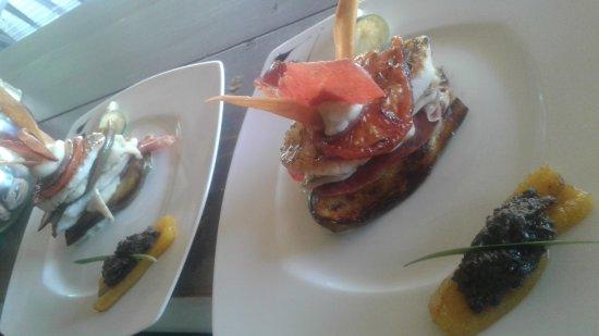 Grand Bourg, Guadalupe: Mille feuille de perroquet. ..mousseline de fruit à pin ti légumes confit
