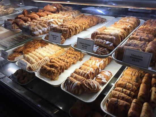 Laggan's Mountain Bakery : photo2.jpg