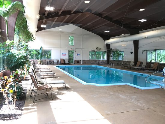 South Deerfield, MA: nice indoor pool