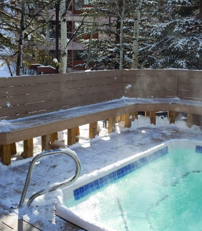 Marriott's StreamSide Birch at Vail: Outdoor Pool & Spa