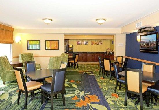 New Stanton, Pensilvania: Lobby Area