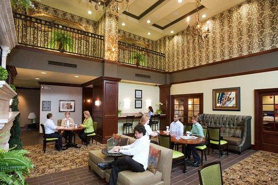 Hampton Inn & Suites Hartford/Farmington: Lounge Area