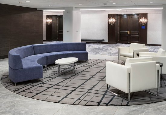South Sioux City, NE : Lobby Seating