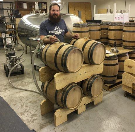 New Haven, MO: Pinckney Bend Distillery