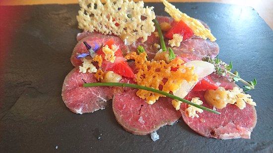 Willunga, ออสเตรเลีย: carpaccio of lamb with pickled strawberries