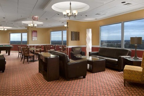 Oak Lawn, IL: Concierge Lounge