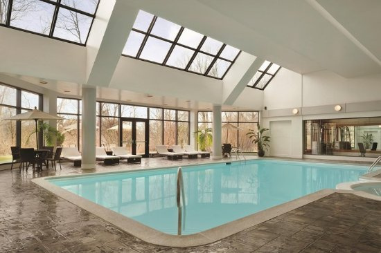 Hilton east brunswick hotel executive meeting center nj for Aja asian cuisine lounge