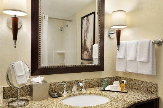 East Brunswick, NJ: Junior Bathroom