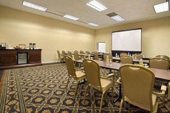 East Brunswick, NJ: Princeton Meeting Room