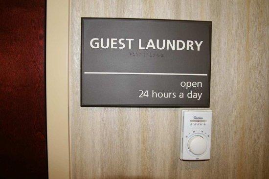 Hampton Inn Matamoras: Guest Laundry