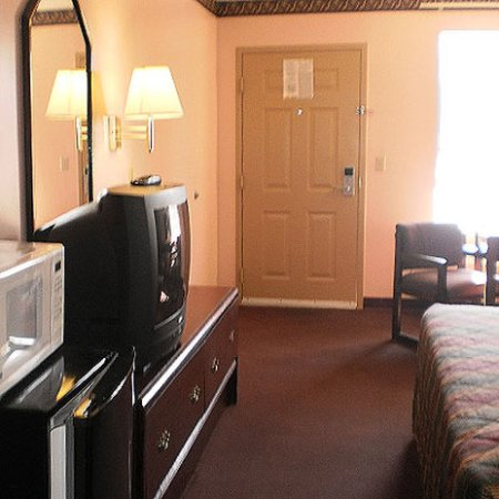 Covington, TN: Guest Room (OpenTravel Alliance - Guest room)