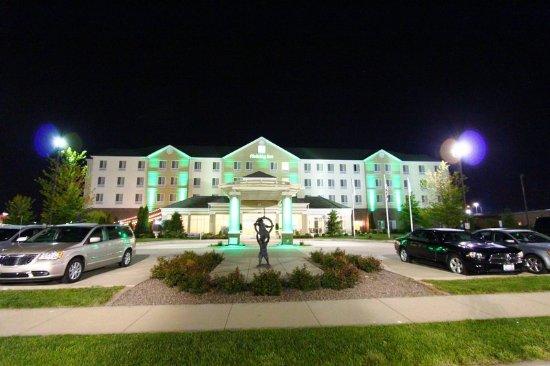 Effingham, IL: Hotel Exterior