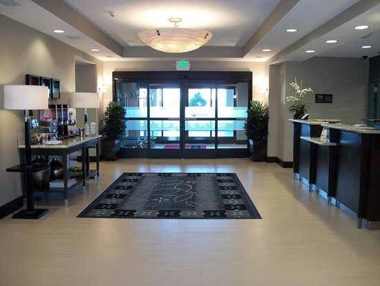 Manteca, CA: Front Desk