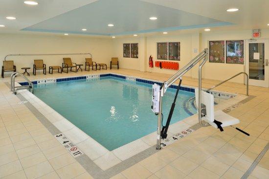 Peekskill, NY: Heated Indoor Swimming Pool