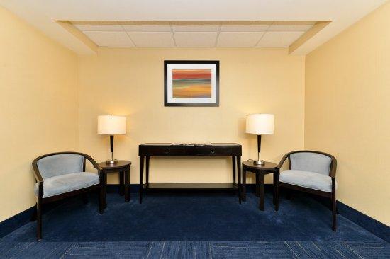 Peekskill, NY: 2nd Floor Guest Lounge