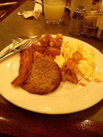 Belvedere Hotel: Con un plato así en el desayuno, comienzas el día con energías para salir a pasear.
