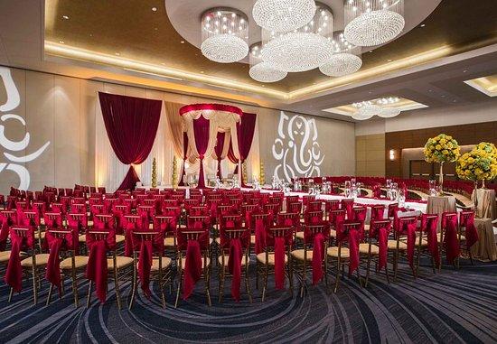 Renaissance Schaumburg Convention Center Hotel: Wedding Ceremony