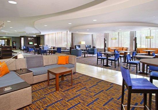 Mount Arlington, NJ: Lobby - Seating Area