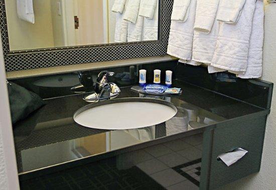 Πρίνστον, Ιντιάνα: Guest Bathroom Vanity