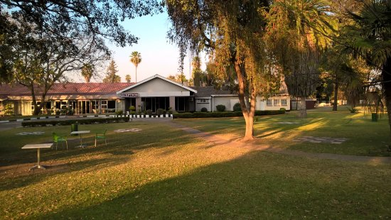 Kadoma Hotel and Conference Center Photo
