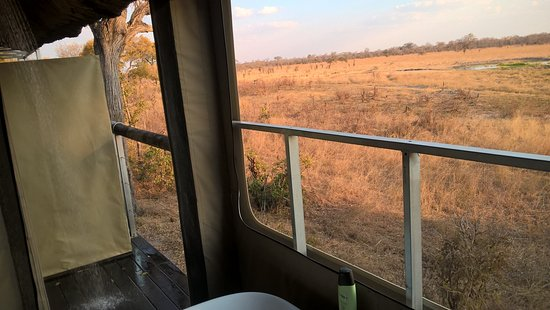"Elephant's Eye, Hwange: The ""interesting"" shower with a stunning view."