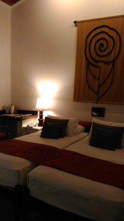 Hotel Sigiriya: P_20170911_015921_large.jpg