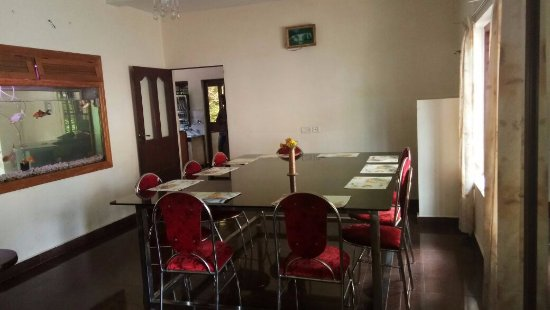 Pavithram Home Stay: Dining Area