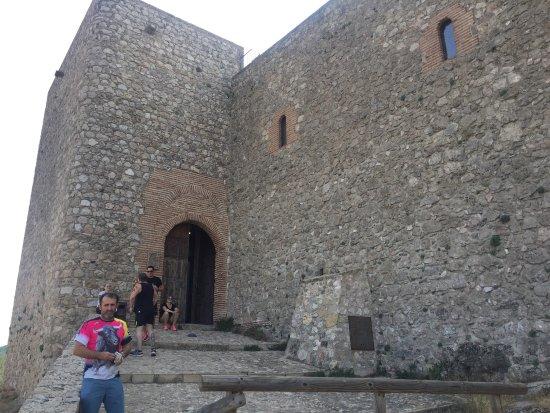 Castillo de Segura de La Sierra: photo0.jpg