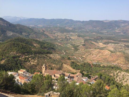 Castillo de Segura de La Sierra: photo1.jpg