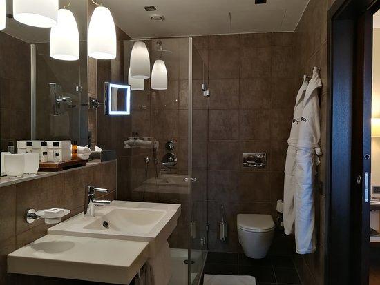Eastwest Hotel: IMG_20170910_192122_large.jpg