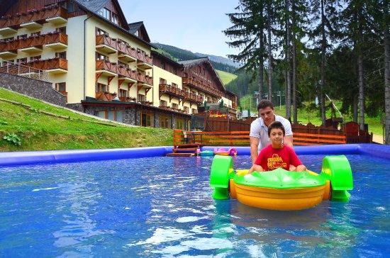 Demanovska Dolina, Eslovaquia: Vonkajšia vodná nádrž na člnkovanie
