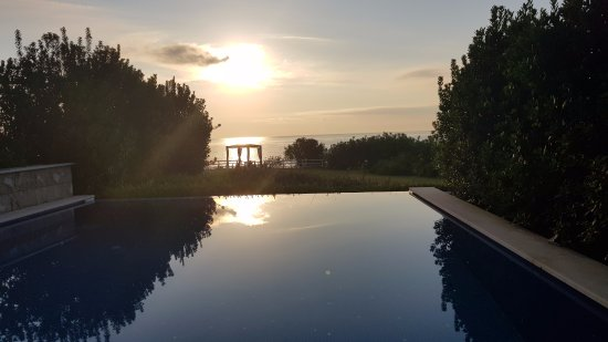 Cavo Olympo Luxury Hotel & Spa - Adult Only: Sunrise outside our room
