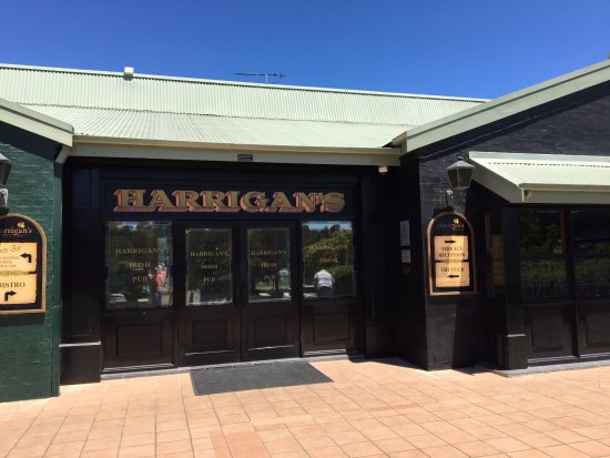 Harrigan's Irish Pub : Front Entrance