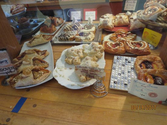Bread & Roses: fresh baked pastries