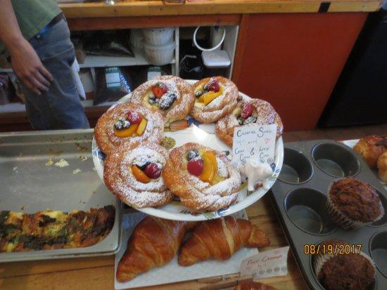 Bread & Roses: celestial snails
